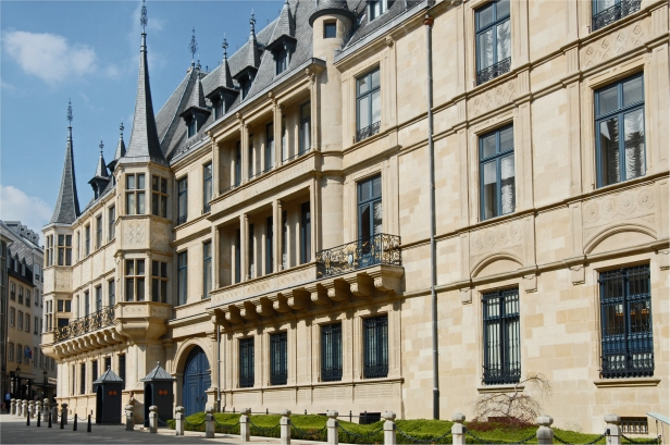 Luxembourg_Grand_Ducal_Palace_01
